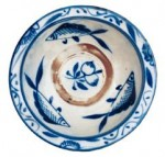 Three revolving fish on blue and white porcelain bowl (Cheng County, Shaanxi)